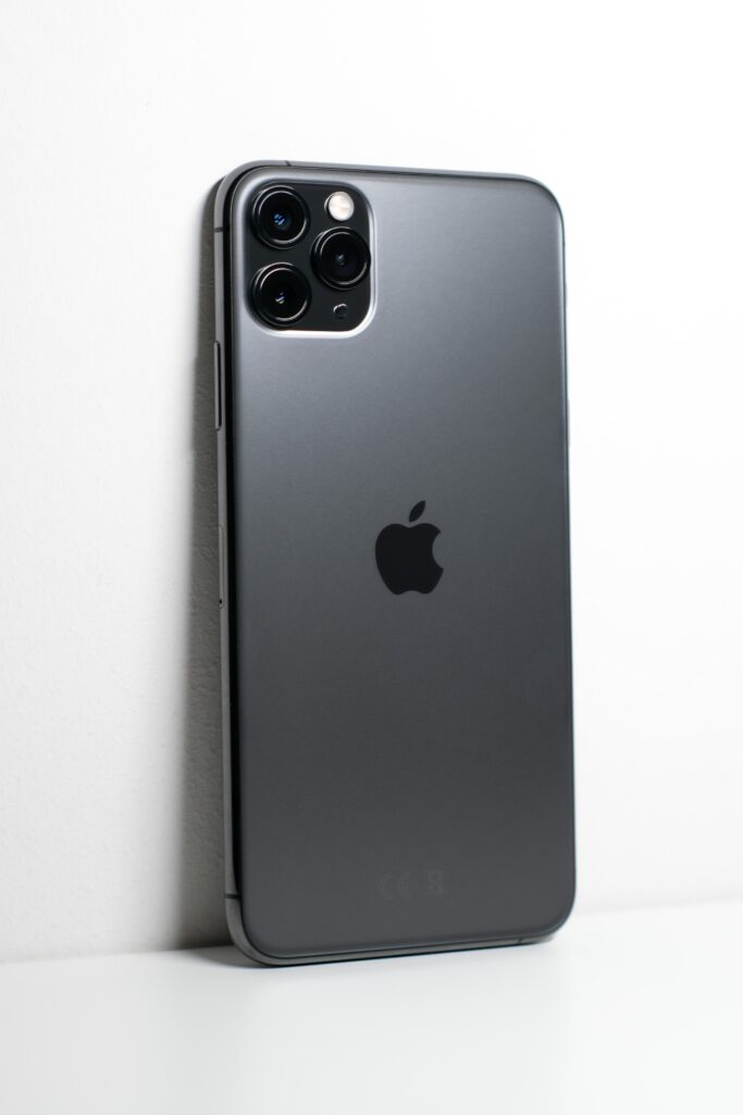The iPhone Pro has the original wide, plus ultrawide and telephoto, its optical options covering an approximate 35mm equivalent of 13mm, 52mm and 26mm cameras.